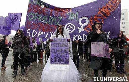 Protesta de mujeres en Turquía. Diario El Universal.