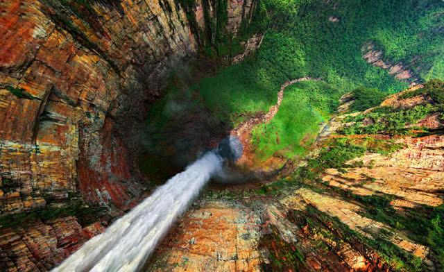 Caída de agua en la Gran Sabana. Venezuela